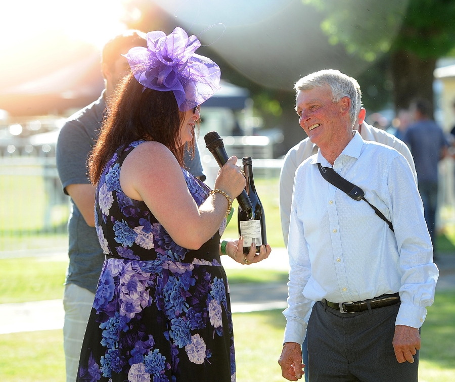 Geoff accepts Trainer's trophy, Snake Gully Cup 2016